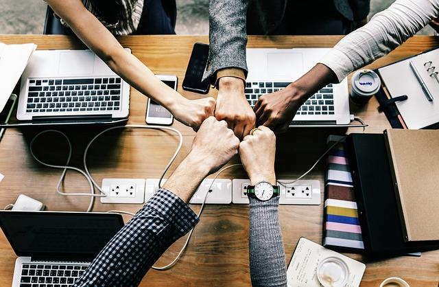 תמיכה, לחיצת ידיים, מחשבים